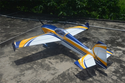 Skywing EXTRA 300 balsa+carbonio ap. alare 2261 mm B GIALLO